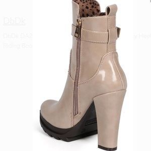 Tan Buckled boots